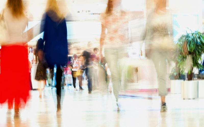 nominated-abstract-defocused-motion-blurred-people-walking-girlfriends-in-the-shopping-center-urban_t20_Ggl6gR